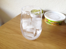 Fill the glass with ice