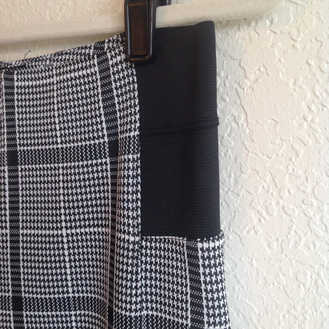 Stretchy Houndstooth Trousers