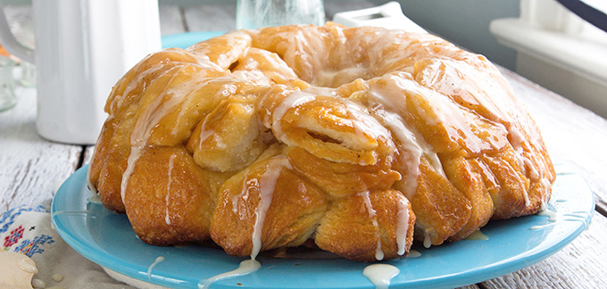 Spiced Eggnog Monkey Bread